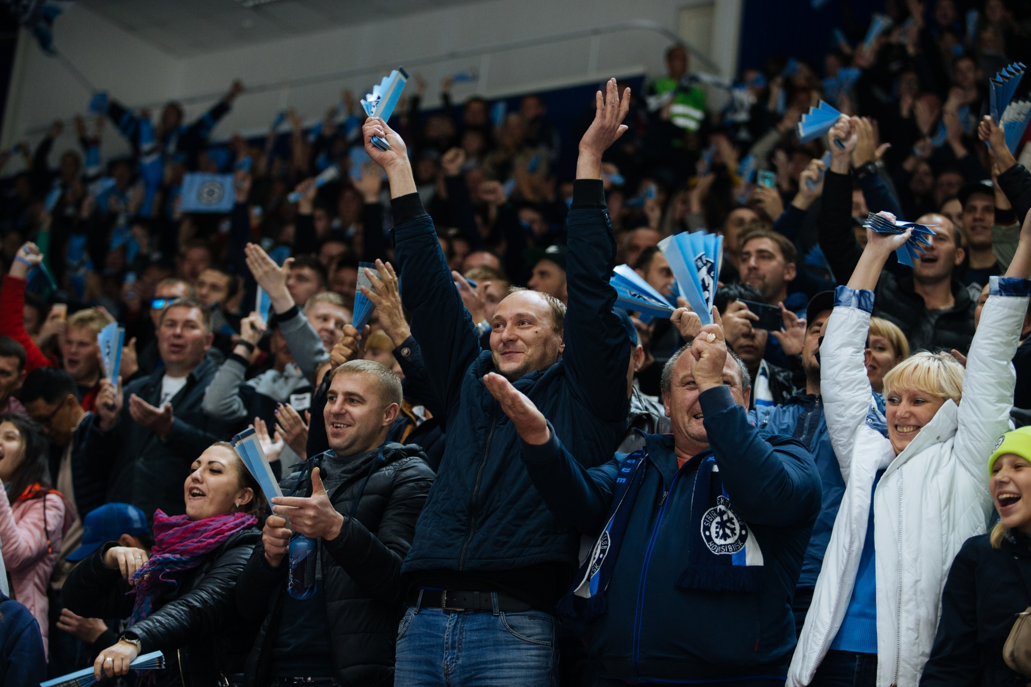 Матчи КХЛ в сентябре посетило почти 950 тыс. болельщиков